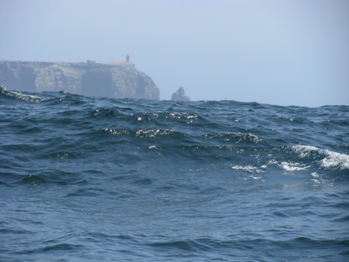 A glimpse of Cabo Saõ Vicente from behind the swell