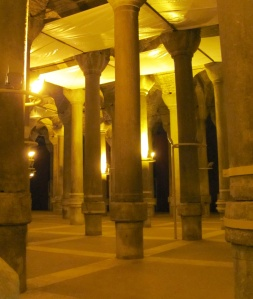 1001 Columns Cistern - a poor substitute for the Basilica Cistern...but there were no queues to contend with!